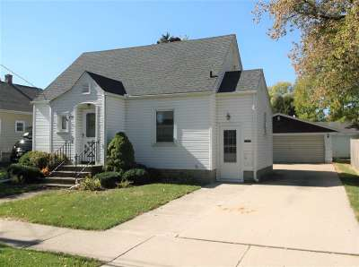 Menasha Single Family Home For Sale: 650 De Pere
