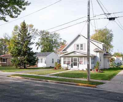 Menasha Single Family Home For Sale: 608 School