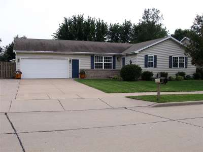 Kaukauna Single Family Home For Sale: 705 Westfield