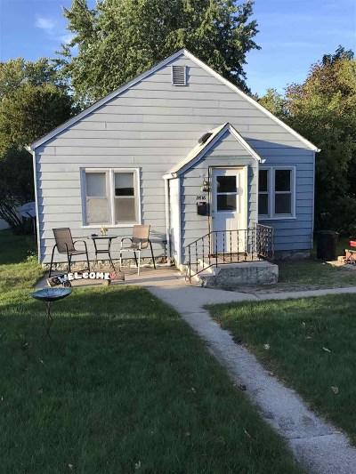 Marinette Single Family Home For Sale: 2816 Hannah