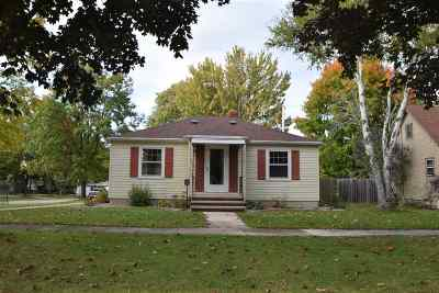 Kaukauna Single Family Home For Sale: 524 W 6th
