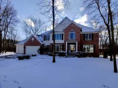 Neenah Single Family Home For Sale: 120 Ashbrooke