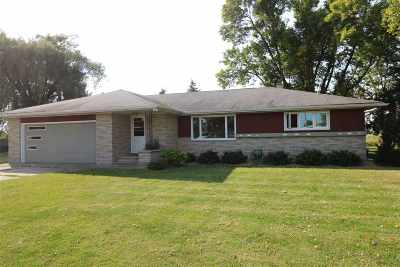 Kaukauna Single Family Home For Sale: W2621 Evergreen