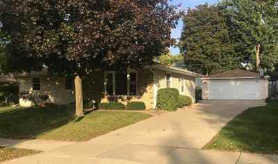 Kaukauna Single Family Home For Sale: 1804 Sullivan