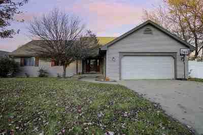 Appleton Single Family Home For Sale: W2534 Block