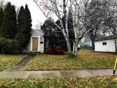 Neenah Single Family Home For Sale: 872 Reddin