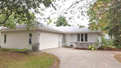 Appleton Single Family Home For Sale: 2024 S Horizon