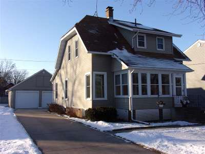 Neenah Single Family Home For Sale: 717 S Park