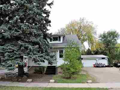 Winneconne Single Family Home Active-Offer No Bump: 118 N 2nd