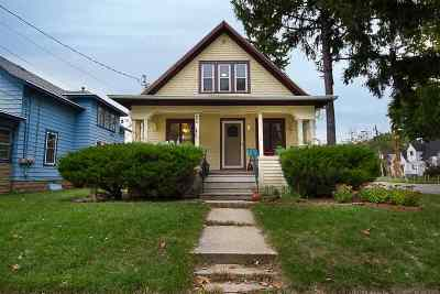 Neenah Single Family Home For Sale: 620 Lincoln