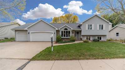 Appleton Single Family Home For Sale: 2207 S Matthias