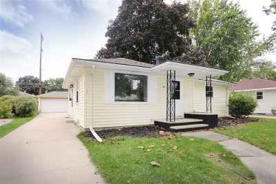 Appleton Single Family Home For Sale: 907 E Frances