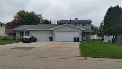 Menasha Multi Family Home For Sale: 2322 Redtail