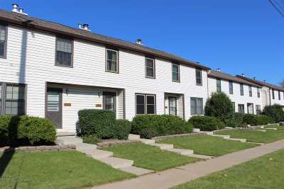 Neenah Condo/Townhouse For Sale: 1093 W Cecil