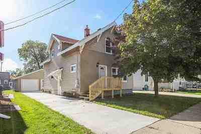 Neenah Single Family Home For Sale: 406 Monroe