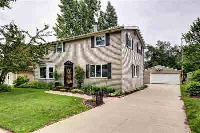 Appleton Single Family Home For Sale: 1819 E Marquette