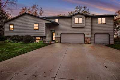 Appleton Single Family Home For Sale: 2670 Belaire