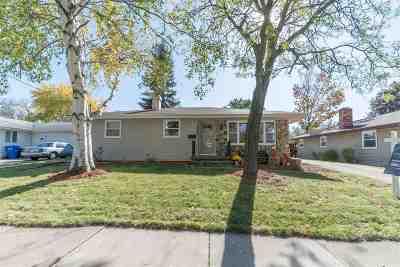 Appleton Single Family Home For Sale: 2025 E Lourdes