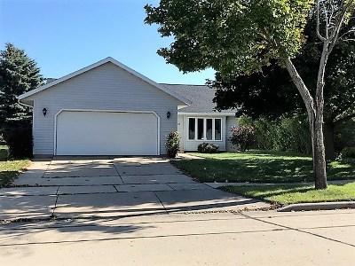 Kaukauna Single Family Home For Sale: 2716 Glenview