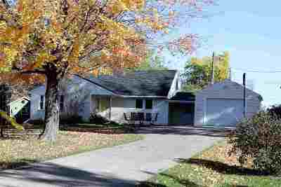 Kaukauna Single Family Home For Sale: 606 Bel Air