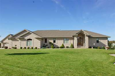 Sobieski Single Family Home For Sale: 933 S Ridgeview