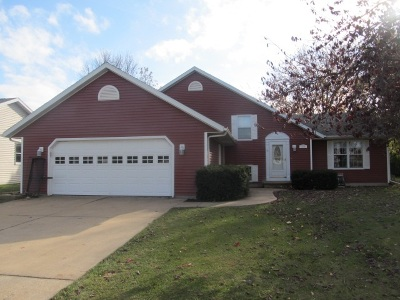 Menasha WI Single Family Home For Sale: $184,900
