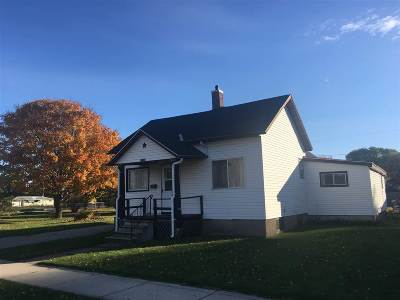 Marinette Single Family Home For Sale: 1110 Madison