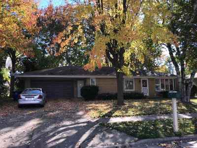 Little Chute Single Family Home For Sale: 321 Cherry