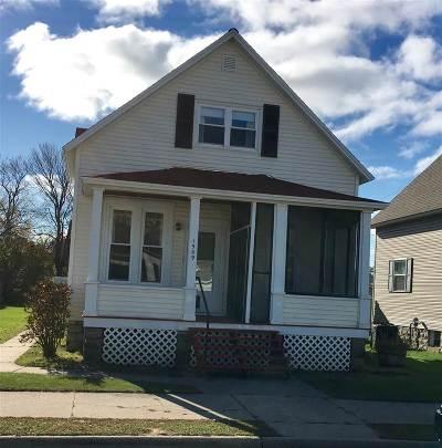 Marinette Single Family Home For Sale: 1509 Logan