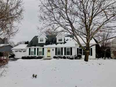 Neenah Single Family Home For Sale: 764 Manchester
