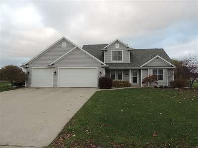 Kaukauna Single Family Home For Sale: 470 Windmill