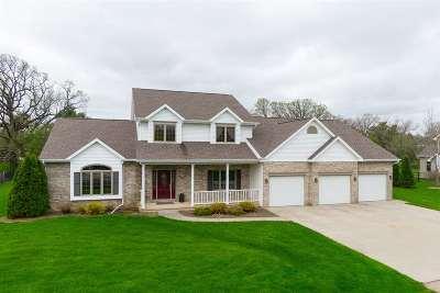 Oshkosh Single Family Home For Sale: 3029 Pine Ridge