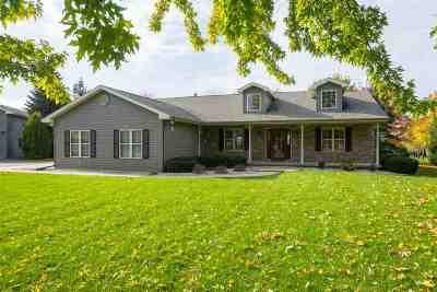 Oshkosh Single Family Home For Sale: 4397 Waupun