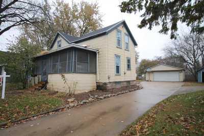 Neenah Single Family Home For Sale: 528 Oak
