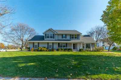 Neenah Single Family Home For Sale: 2135 W Prairie Creek
