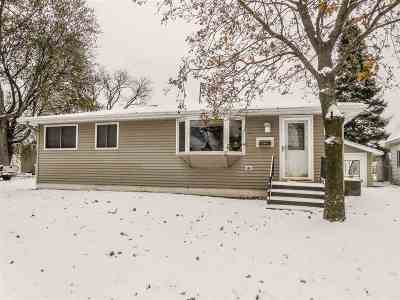 Marinette Single Family Home For Sale: 1879 Liberty
