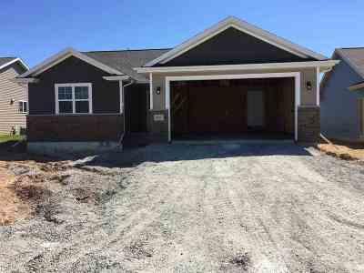 Menasha Single Family Home For Sale: N9083 Lilac