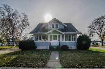 Wrightstown Single Family Home For Sale: 833 Main