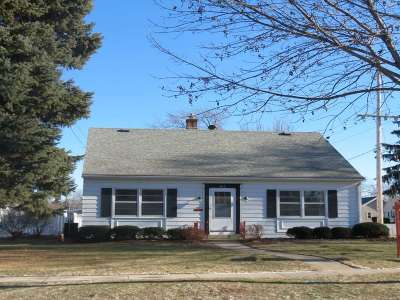 Neenah Single Family Home For Sale: 612 Congress