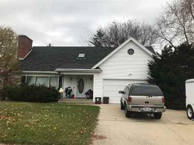 Neenah Single Family Home Active-Offer No Bump: 612 Laudan