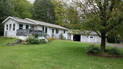 Oconto Falls Single Family Home For Sale: 4448 Owl