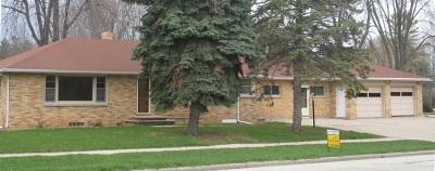 Pulaski WI Single Family Home Active-No Offer: $199,900