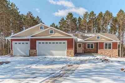 Little Suamico Single Family Home For Sale: 877 Maple Leaf