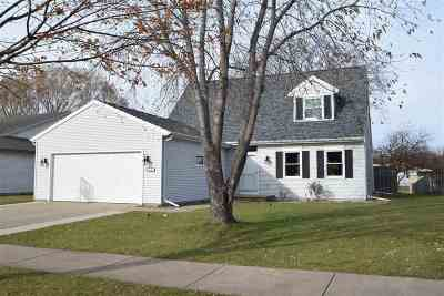 Oshkosh Single Family Home For Sale: 1130 Christian