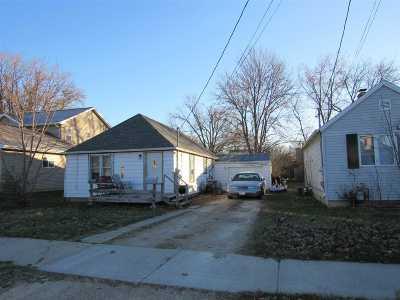 Neenah Single Family Home For Sale: 165 Denhardt