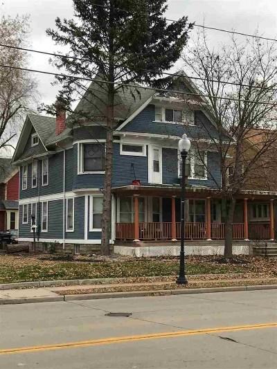 Oshkosh Single Family Home For Sale: 635 Jackson