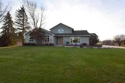 Oshkosh Single Family Home For Sale: 1777 Crown