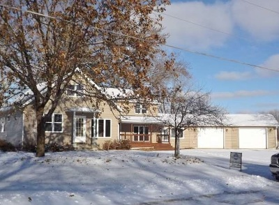 Single Family Home For Sale: 532 W Maple