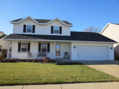 Oshkosh Single Family Home For Sale: 2731 Hamilton