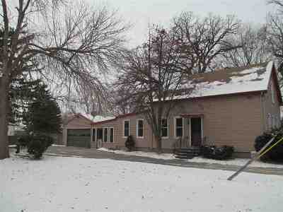 Oshkosh Single Family Home For Sale: 1213 W 9th